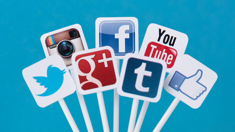 social-media-icon-signs-ss-1920-800x450